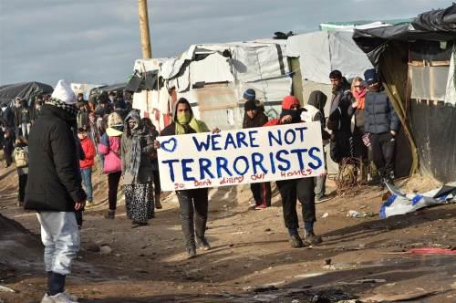 160301-refugees-calais-terrorists-mdl-904_a417a7420770175b4dc9239cfd90e096-nbcnews-ux-2880-1000
